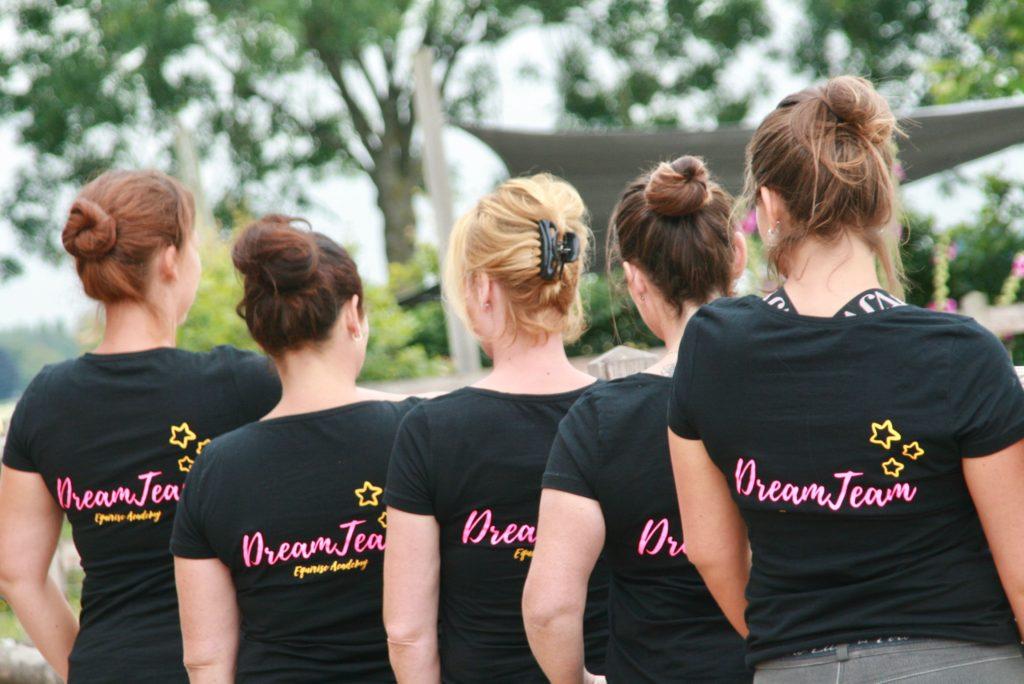 Ons Dreamteam staat altijd voor elkaar klaar! Het voor-wat-hoort-wat-principe maakt dit ook nog eens heel eerlijk:-)