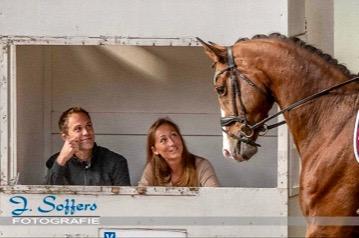 Nicky Star jureert graag KNHS-wedstrijden, hier komt bij een of ruiter en paard de communicatie echt op orde hebben